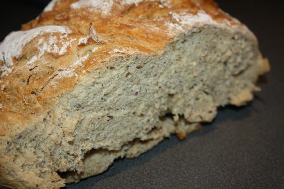 Pain de campagne aux graines cuisson cocotte en fonte