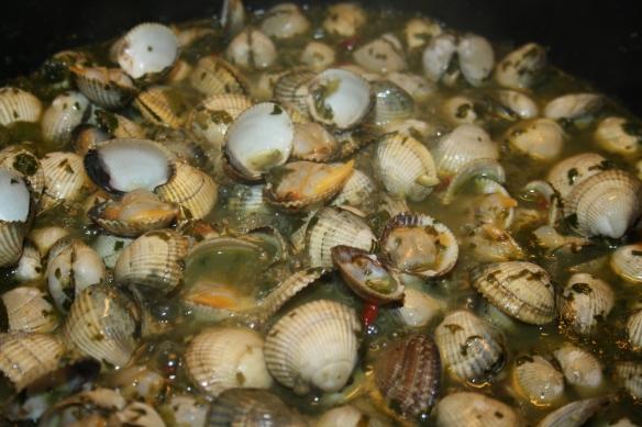 Filets de merlu sauce verte aux herbes fraîches